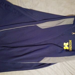 Pro Edge Sweaters - U Of M Pullover!*! Men's S or Womens M! *!